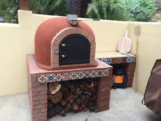 Wood Fired Outdoor Pizza Oven with Brick Arch & Chimney - Best Outdoor Pizza Ovens