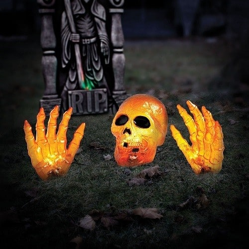 Fun and Scary Outdoor Halloween Decorations