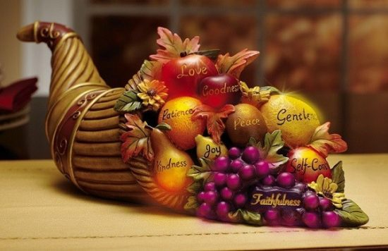 Thanksgiving Centerpiece Decorating Ideas - Color Changing Cornucopia Centerpiece