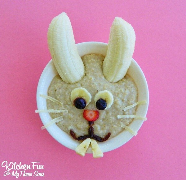 Easter Bunny Oatmeal Breakfast - Easter Breakfast Ideas for Kids #easterbreakfastrecipes #easterrecipes