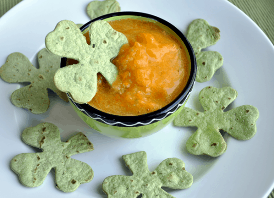 Shamrock Chips with Pot O Gold Dip - St. Patrick's Day Appetizer Recipes #irishrecipes #stpatricksdayrecipes #shamrock