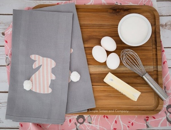 DIY Easter Bunny Kitchen Linens - DIY Easter Decorating Ideas